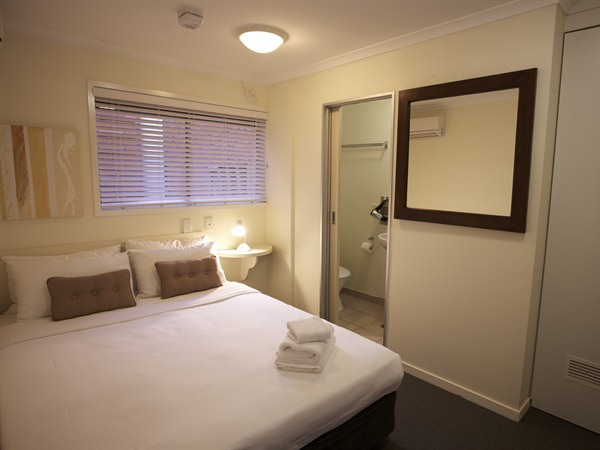 Snooze Inn - Hotel Accommodation