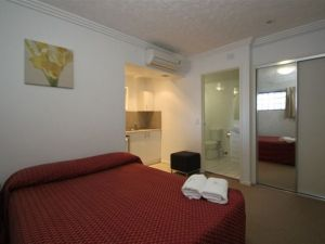 Southern Cross Motel and Serviced Apartments - Hotel Accommodation