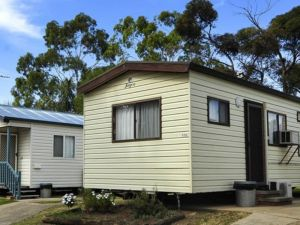 City Lights Caravan Park - Hotel Accommodation
