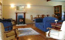 Wombatalla Guesthouse - - Hotel Accommodation