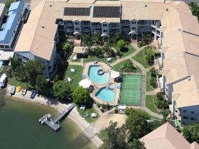Pelican Cove Apartments - Hotel Accommodation