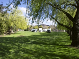 New Norfolk Caravan Park - Hotel Accommodation