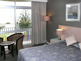 Scamander Beach Hotel Motel - Hotel Accommodation