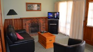 Mountain View Motor Inn and Holiday Lodges - Hotel Accommodation