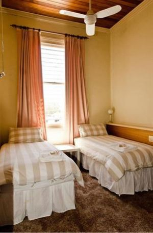 Royal Hotel Mandurama - Hotel Accommodation