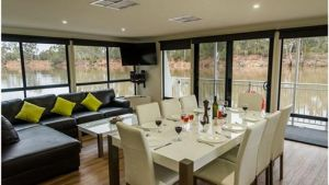 Moama on Murray Houseboats - Hotel Accommodation