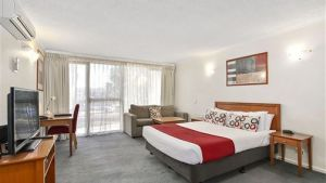 Quality Inn and Suites Knox - Hotel Accommodation