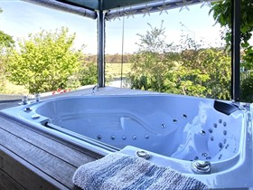 Away to Relax Massage Getaways at Welcome Springs BB Retreat - Hotel Accommodation