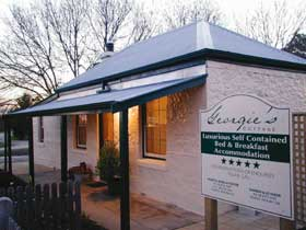 Georgie's Cottage - Hotel Accommodation