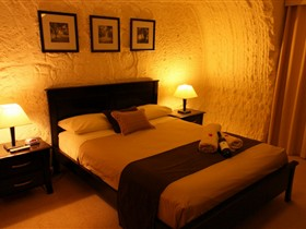 Underground Bed and Breakfast - Hotel Accommodation