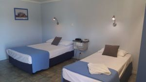 Queens Beach Hotel - Hotel Accommodation