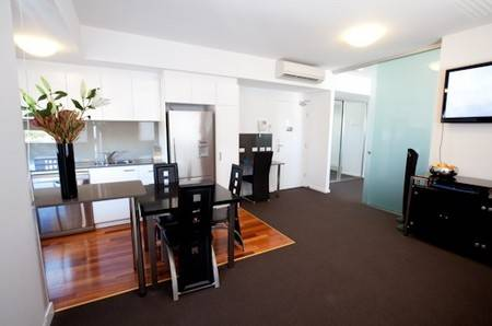 B7 Honeysuckle Apartments - Hotel Accommodation