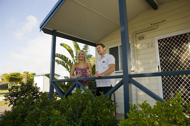 Blacksmiths Beachside Holiday Park - Hotel Accommodation