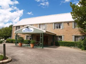 Campbelltown Colonial Motor Inn - Hotel Accommodation