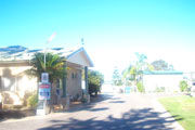 Foreshore Caravan Park - Hotel Accommodation