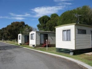 Leeton Caravan Park - Hotel Accommodation