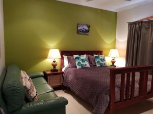 Sonja's Bed  Breakfast - Hotel Accommodation
