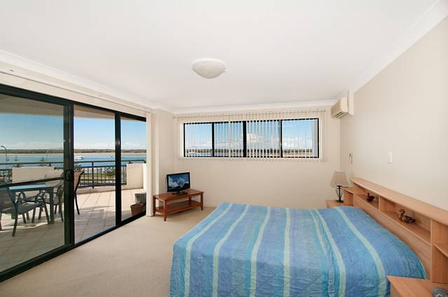 Sandcastles on the Broadwater - Hotel Accommodation