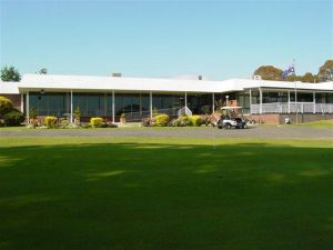 Tenterfield Golf Club and Fairways Lodge - Hotel Accommodation
