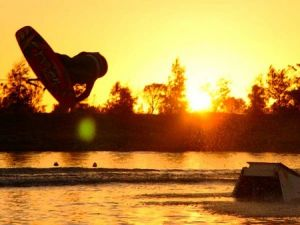 Bonney's WA Water Ski Park - Hotel Accommodation