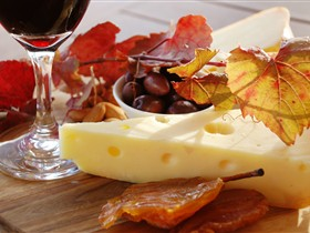 McLaren Vale Cheese and Wine Trail - Hotel Accommodation