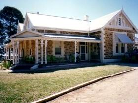 The Pines Loxton Historic House and Garden - Hotel Accommodation