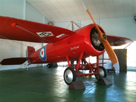 Captain Harry Butler Red Devil Monoplane Memorial - Hotel Accommodation