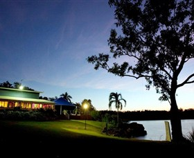 Lake Bennett Resort - Hotel Accommodation