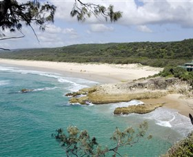 Main Beach North Stradbroke Island - Hotel Accommodation