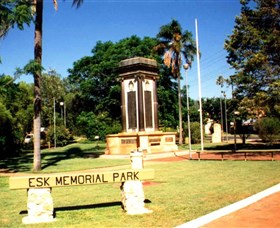 Esk War Memorial and Esk Memorial Park - Hotel Accommodation