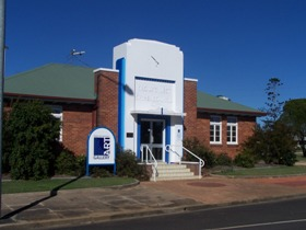 Crows Nest Regional Art Gallery - Hotel Accommodation