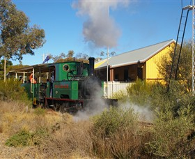 Red Cliffs Historical Steam Railway - Hotel Accommodation