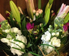 Alpine Blooms Florist Mansfield - Hotel Accommodation