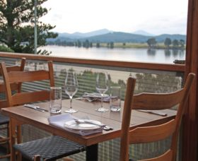 The River Restaurant - Hotel Accommodation