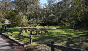 Gordon Falls lookout and picnic area - Hotel Accommodation