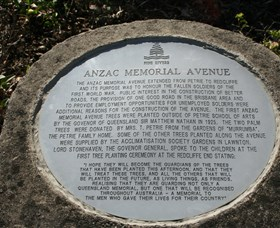 Anzac Memorial Avenue Redcliffe - Hotel Accommodation