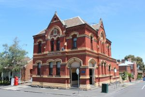 Parkville Heritage Walks - Hotel Accommodation