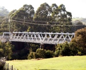 Victoria Bridge over Stonequarry Creek - Hotel Accommodation