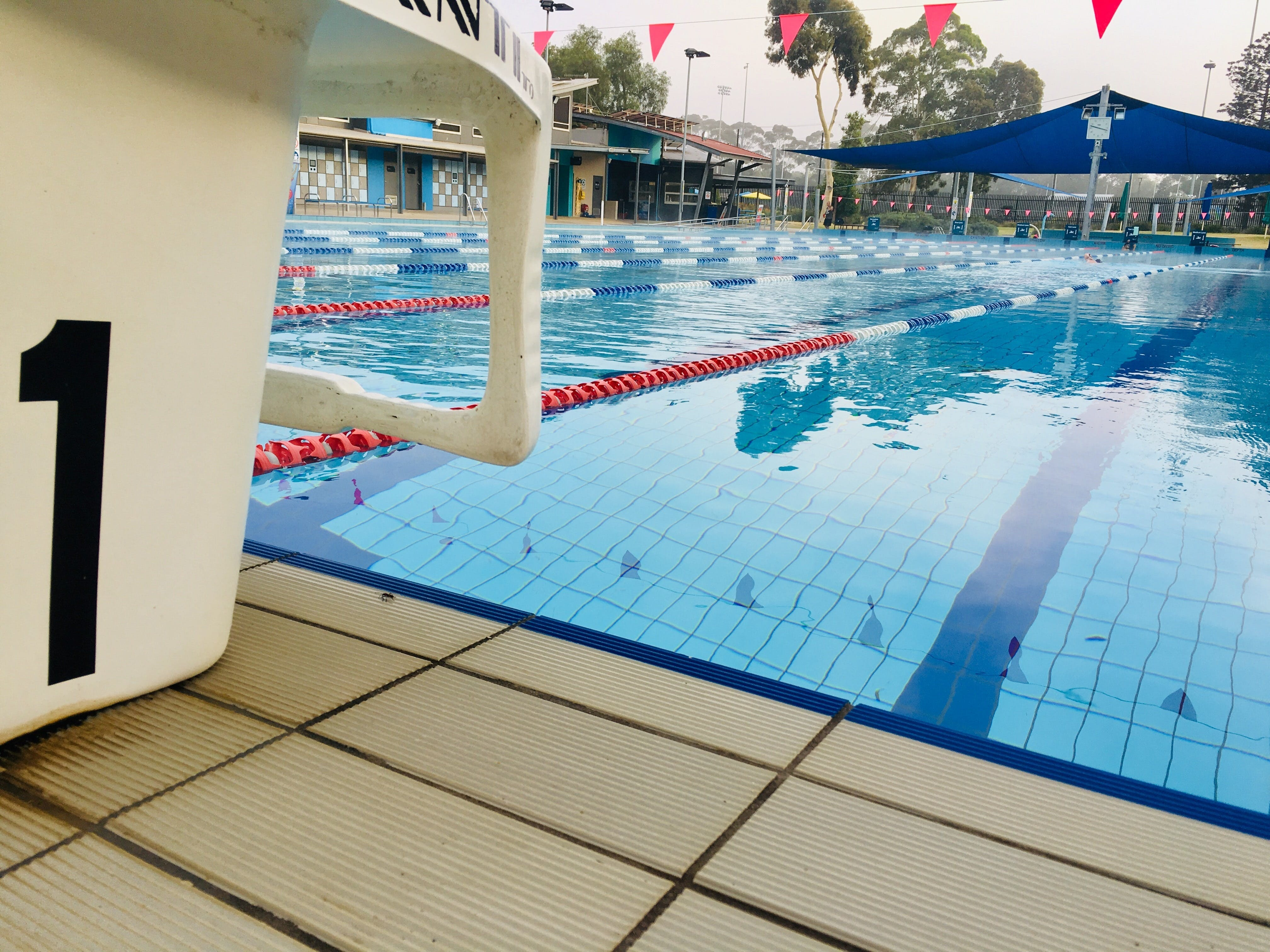 Werribee Outdoor Pool - Hotel Accommodation