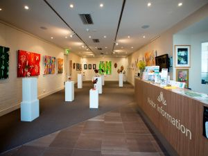 Australian National Botanic Gardens Visitor Centre Gallery - Hotel Accommodation