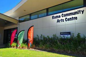 Roma on Bungil Art Gallery and the Walk of Art - Hotel Accommodation