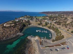 Christmas Cove - Hotel Accommodation