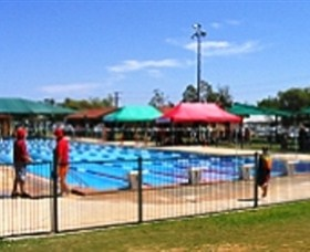 Charleville Swimming Pool - Hotel Accommodation