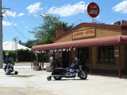 Albion Hotel Swifts Creek - Hotel Accommodation