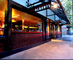 Alberts - Hotel Accommodation