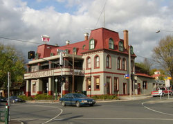 The Grand Hotel Healesville - Hotel Accommodation