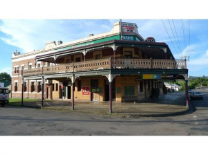 Bank Hotel Dungog - Hotel Accommodation