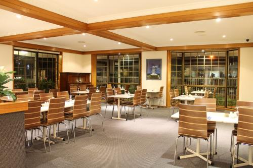 Seafarer Restaurant - Hotel Accommodation