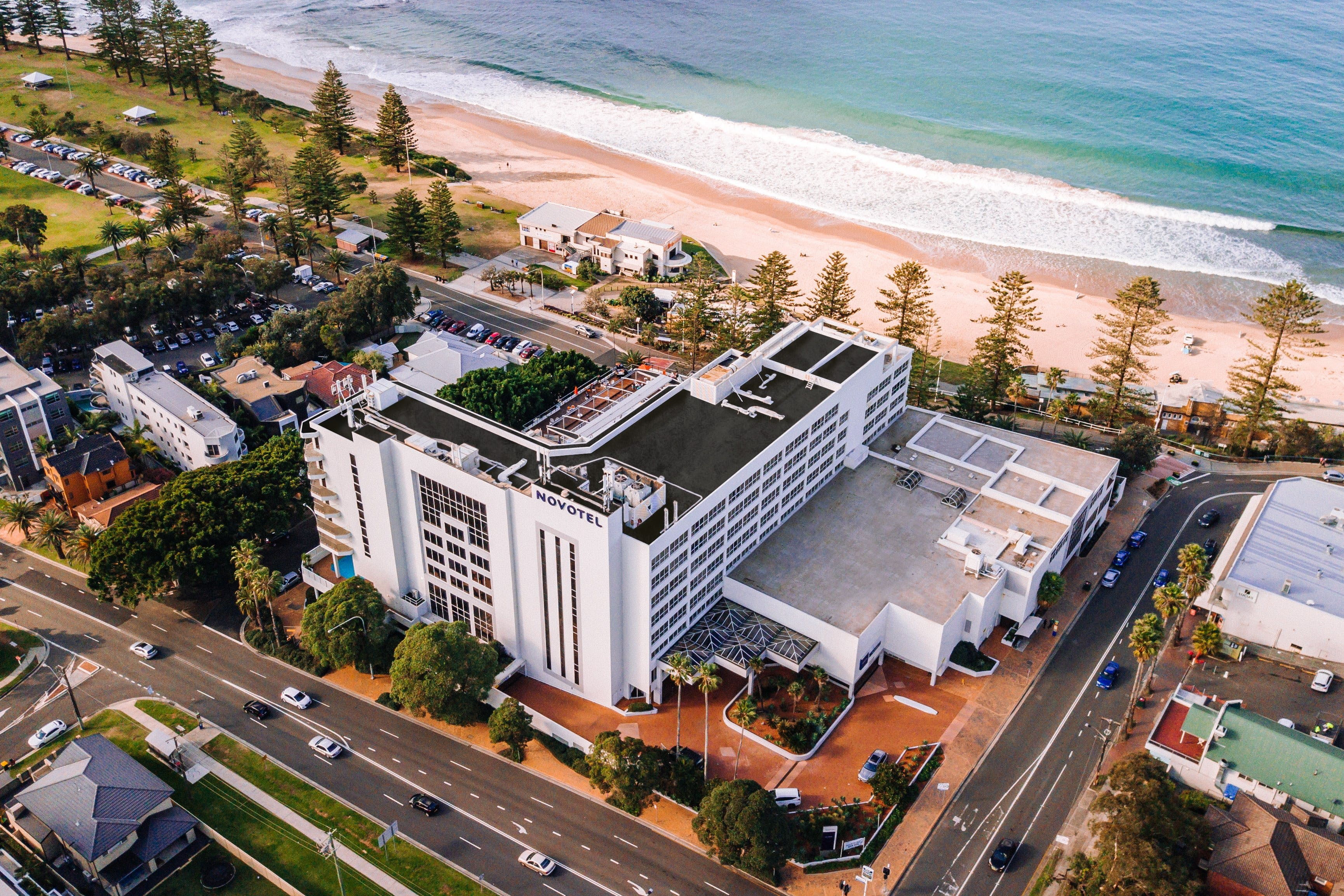 New Years Eve Party - Novotel Wollongong Northbeach - Hotel Accommodation