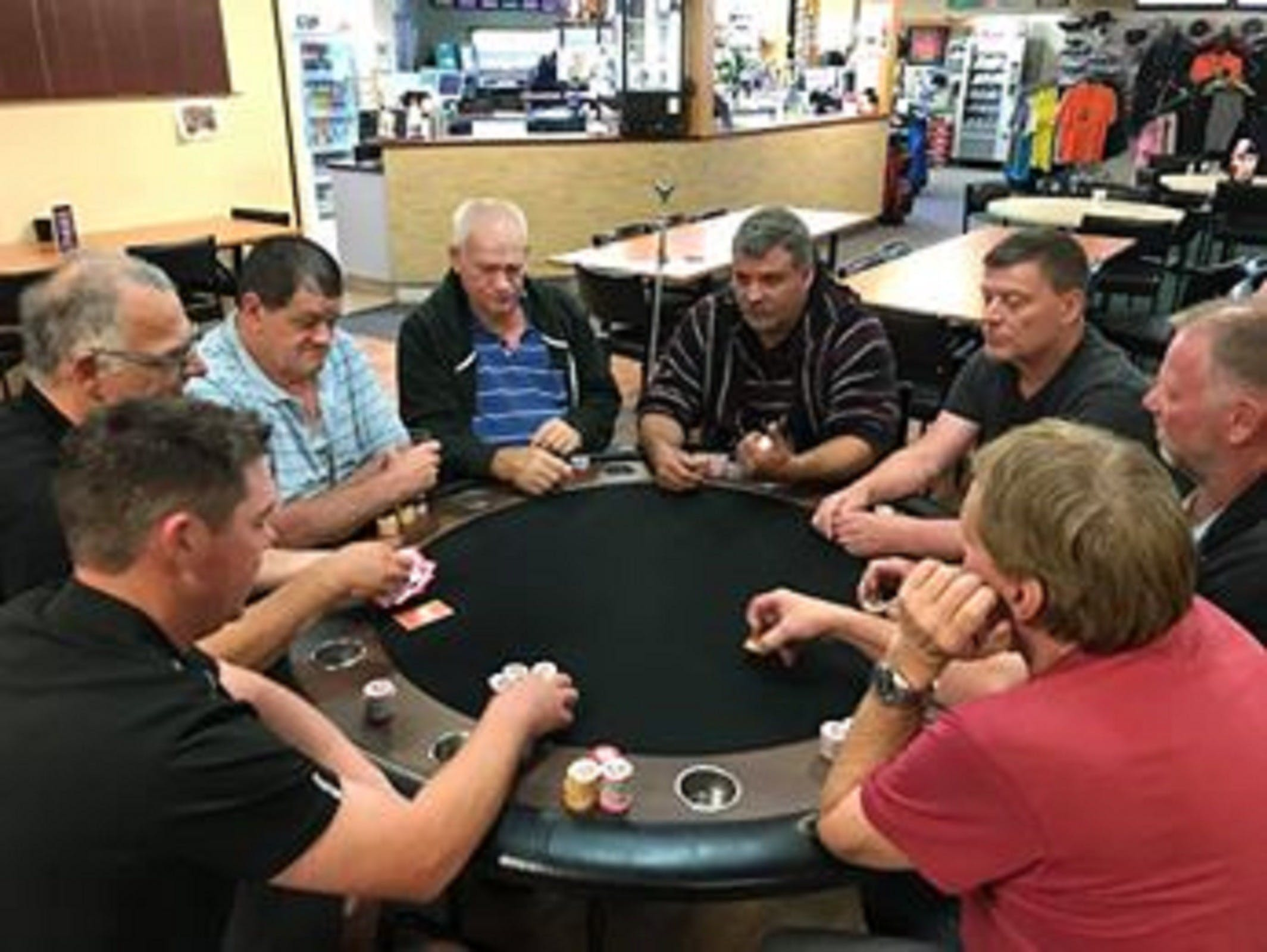 Numurkah Golf and Bowls Club - Poker Wednesday - Hotel Accommodation